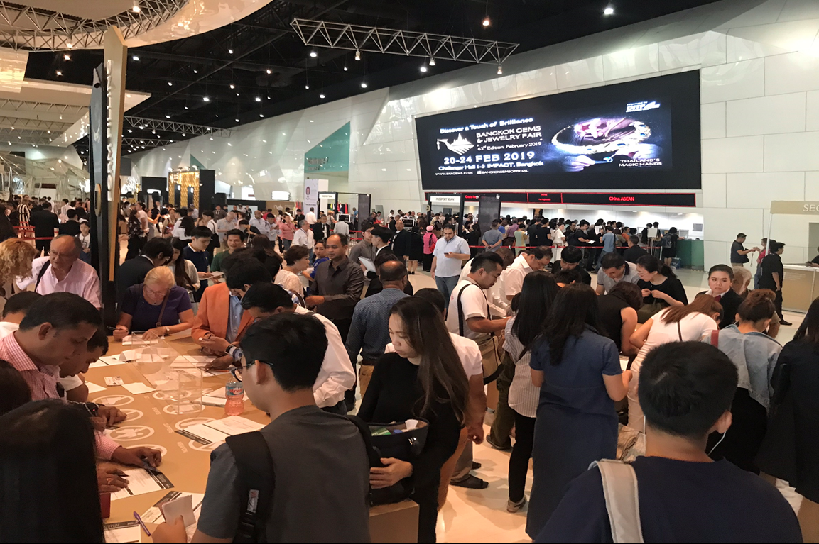 "Success at the 63rd Bangkok Gems & Jewelry Fair Foreign Trade Partners Admire ""Thailand's Magic Hands"""