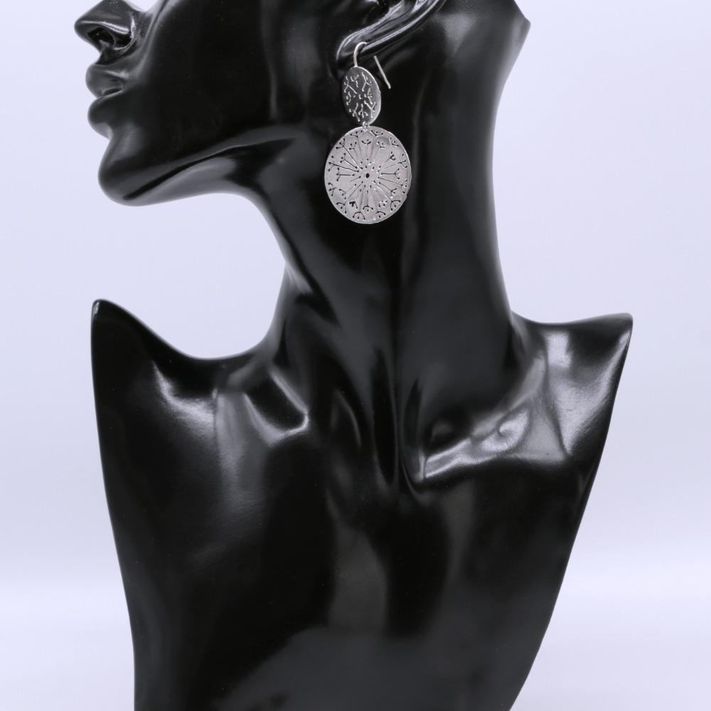 """Orecchini in argento, collezione """"Un Soffio""""."""