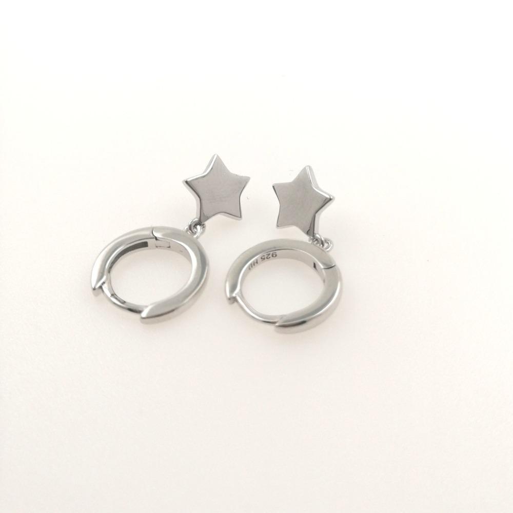 Orecchino cerchietto nudo argento con ciondolo stella