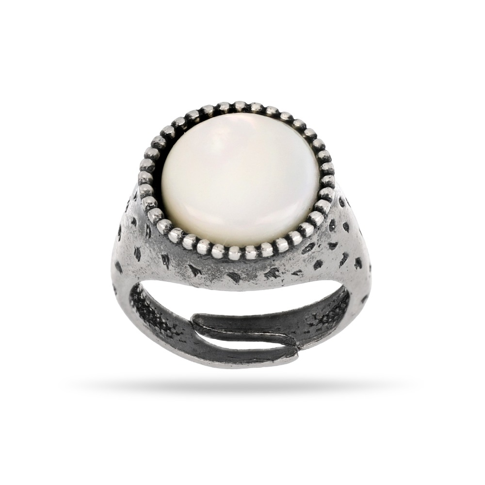 Anello picchiettato e madreperla - Hammered ring with mother of pearl