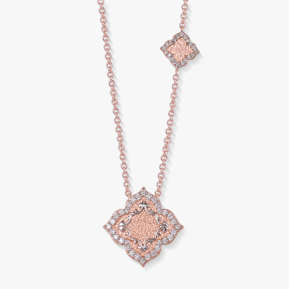 Necklace in 18k rose gold with diamonds