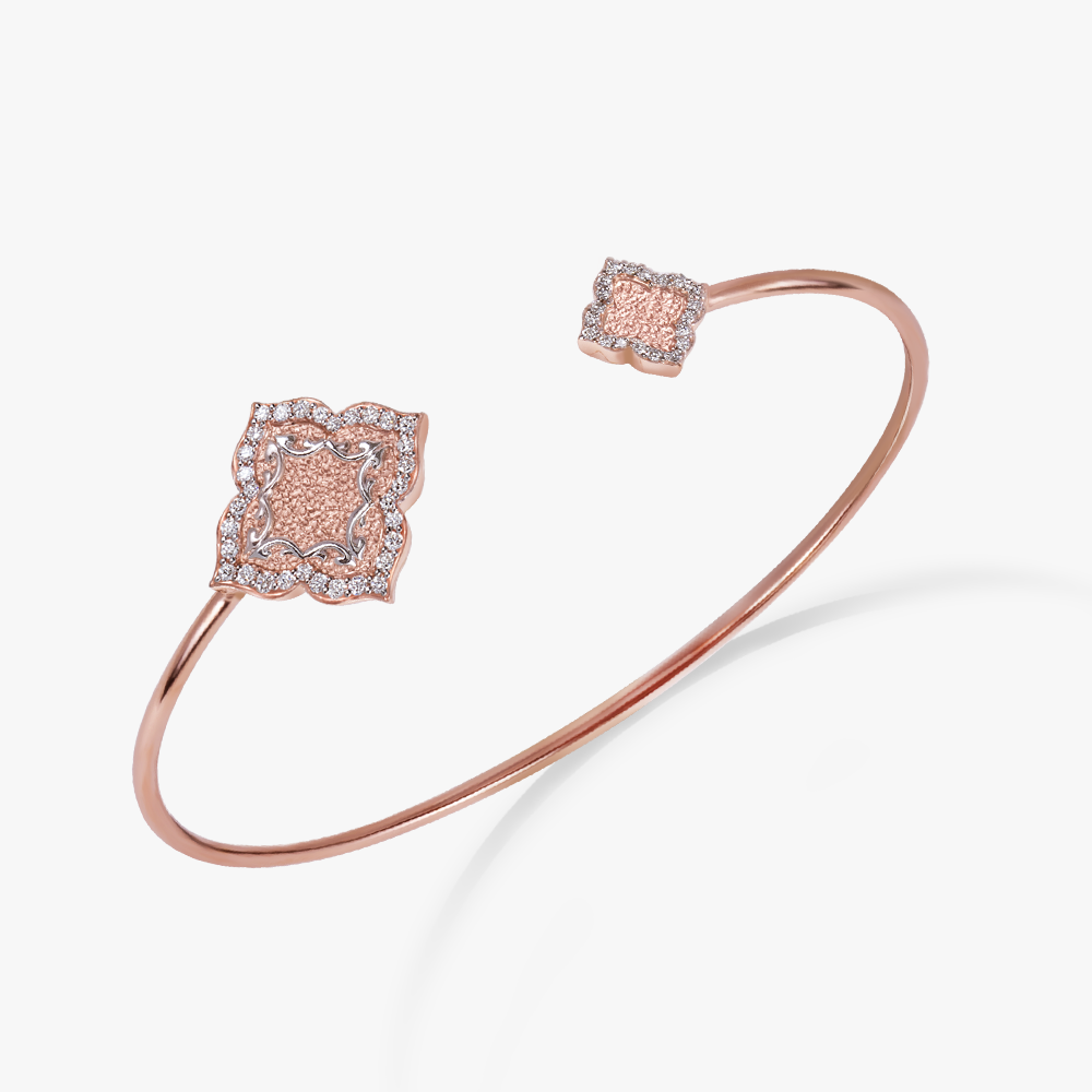 Bangle in 18k rose gold with diamonds