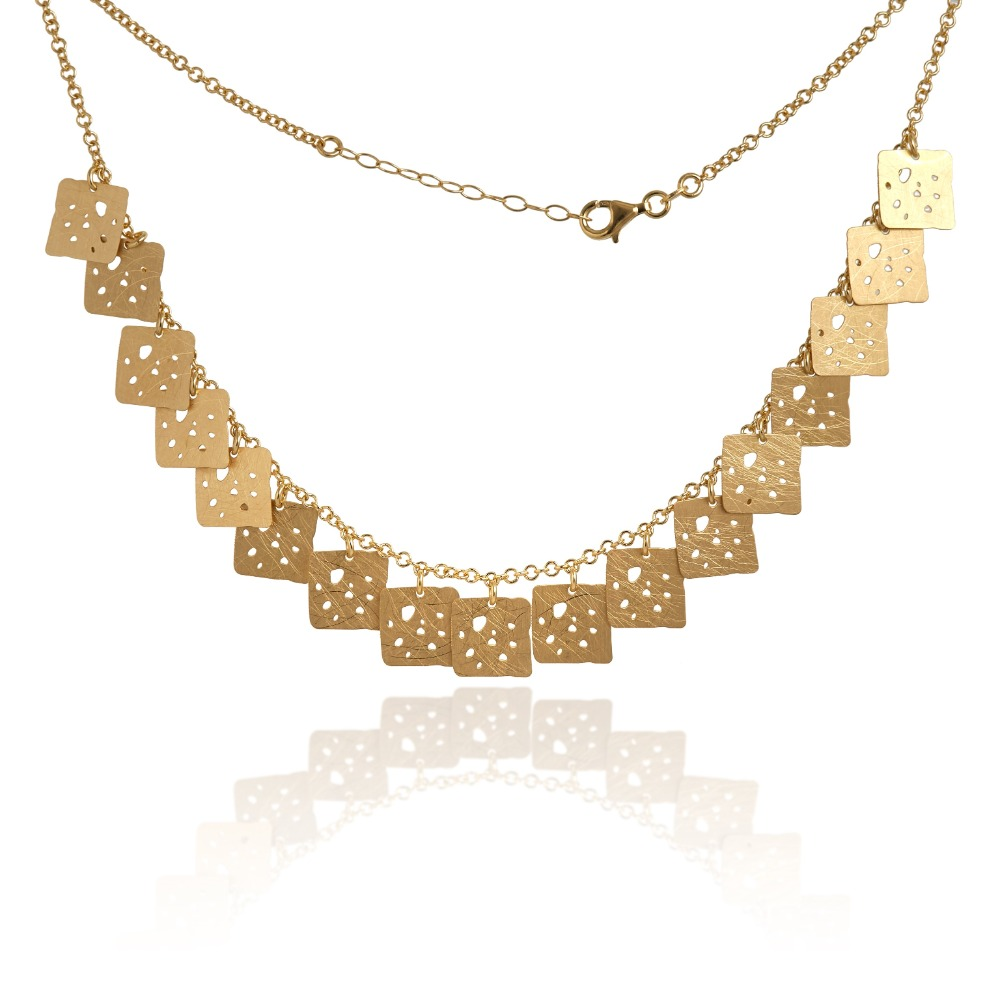 Square necklace round